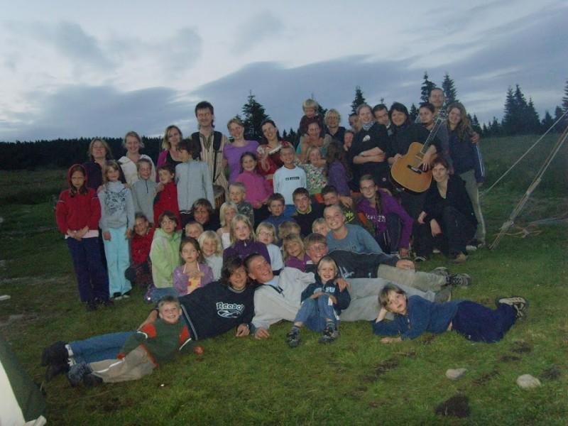 Hudebně taneční skupina Sueneé a děti z LT