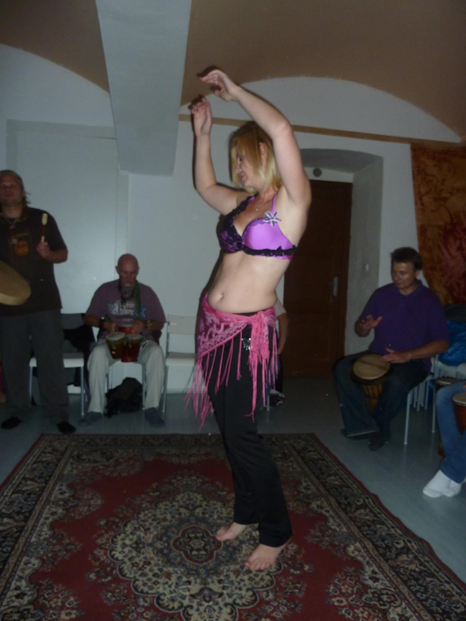 Tanečnice Uršula v Šamance