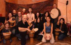 Spontánní bubnování, tanec a zpěv @ čajovna Šamanka | Hlavní město Praha | Česko