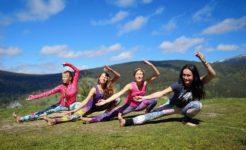 Laska-ví večer: Dance yoga, zpět a tanec, meditace, relax na max @ Čajovna Šamanka